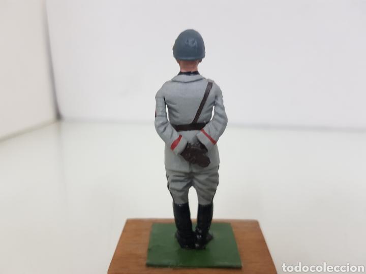 Juguetes Antiguos: Personajes famosos militares figura de plomo con peana de madera - Foto 3 - 171417514