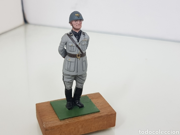 Juguetes Antiguos: Personajes famosos militares figura de plomo con peana de madera - Foto 5 - 171417514