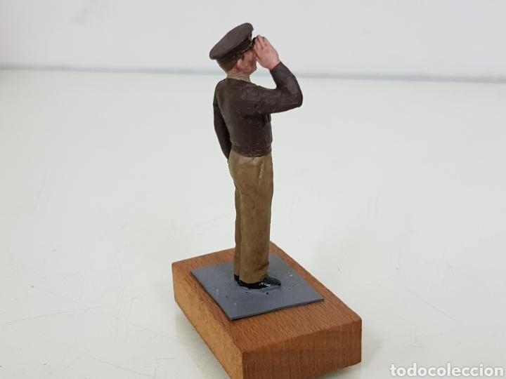 Juguetes Antiguos: Personajes estratégicos figura de plomo con peana de madera - Foto 2 - 171418928