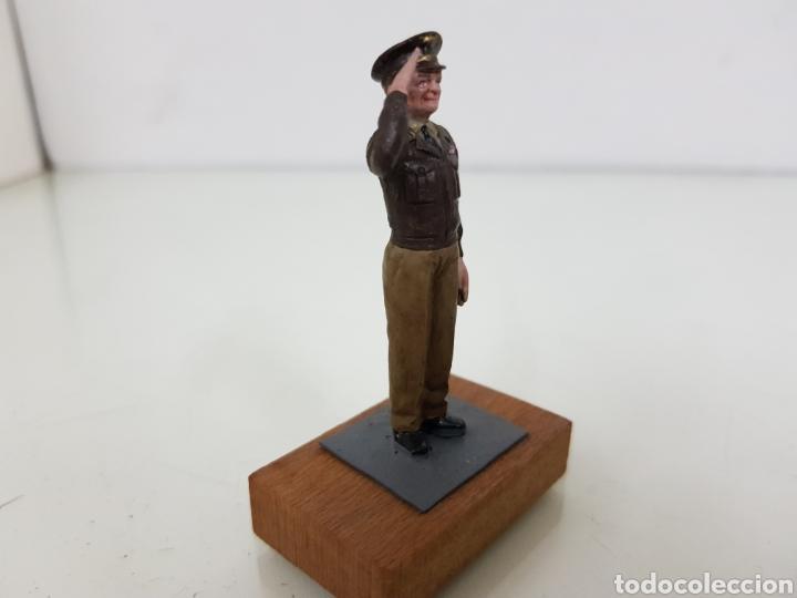 Juguetes Antiguos: Personajes estratégicos figura de plomo con peana de madera - Foto 5 - 171418928