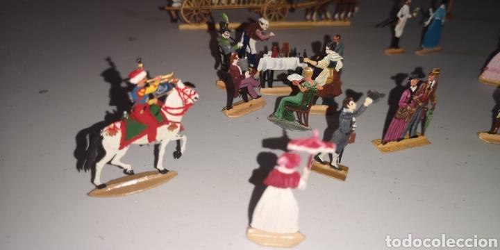 Juguetes Antiguos: Soldados de plomo figuras representando siglo 19 Baviera tren caballos y personajes - Foto 14 - 171693429