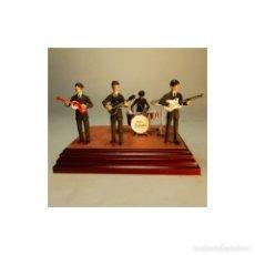 Juguetes Antiguos: GENIAL GRUPO MUSICAL THE BEATLES EN PLOMO ALTURA 54MM EXCELENTE CALIDAD PESO 600 GRAMOS. Lote 171713674