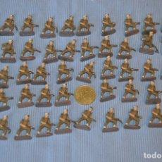 Juguetes Antiguos: 49 SOLDADITOS DE PLOMO, PINTADOS A MANO, MUY PEQUEÑOS ¡MIRA FOTOS/DETALLES!. Lote 173466672