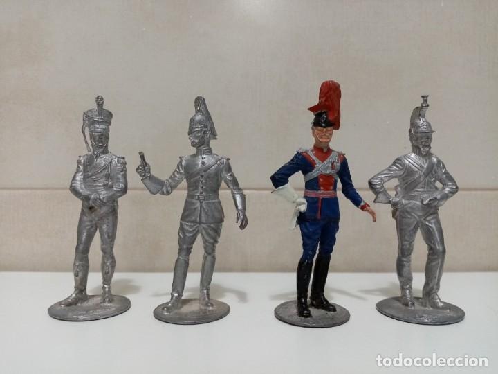 Juguetes Antiguos: 21 SOLDADOS DE PLOMO MAS 1 SOLDADO A CABALLO. UNO PINTADO Y DOS A MEDIO PINTAR. - Foto 7 - 151635262