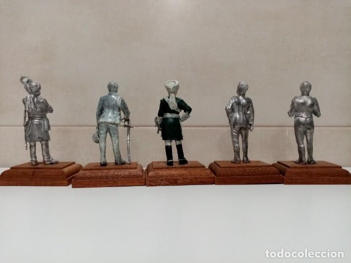 Juguetes Antiguos: 21 SOLDADOS DE PLOMO MAS 1 SOLDADO A CABALLO. UNO PINTADO Y DOS A MEDIO PINTAR. - Foto 12 - 151635262