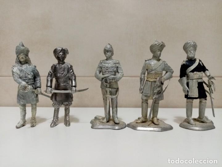Juguetes Antiguos: 21 SOLDADOS DE PLOMO MAS 1 SOLDADO A CABALLO. UNO PINTADO Y DOS A MEDIO PINTAR. - Foto 13 - 151635262