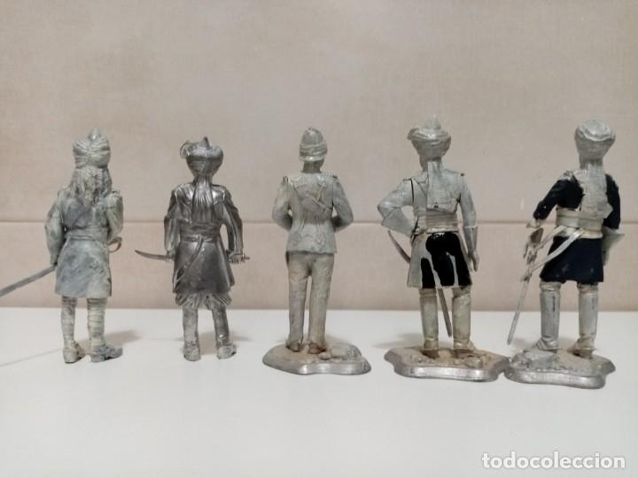 Juguetes Antiguos: 21 SOLDADOS DE PLOMO MAS 1 SOLDADO A CABALLO. UNO PINTADO Y DOS A MEDIO PINTAR. - Foto 14 - 151635262