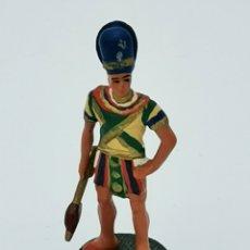 Juguetes Antiguos: SOLDADITO PLOMO. Lote 176751549