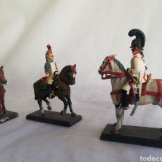 Juguetes Antiguos: DE COLECCION LOTE FIGURAS SOLDADOS DE PLOMO CABALLEROS. Lote 180964126