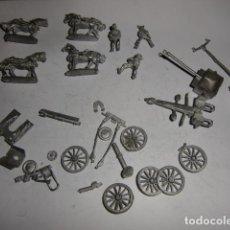 Juguetes Antiguos: LOTE PIEZAS CARROS CON CABALLOS Y SOLDADOS EN PLOMO - FIJENSE EN LAS FOTOS. Lote 183367731