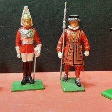 Juguetes Antiguos: BRITAINS LTD, 4 SOLDADITOS DE PLOMO.. Lote 187420045