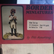 Juguetes Antiguos: SOLDADO DE PLOMO BORDER MINIATURES, GRANADERO 1798. Lote 192313608