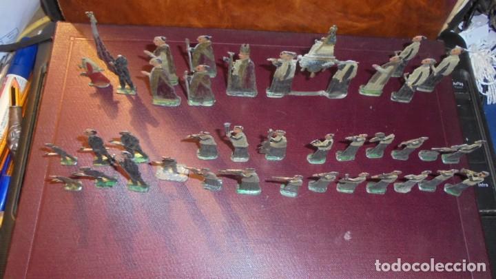Juguetes Antiguos: ANTIGUA PROCESION DE MONTSERRAT S.XIX EN FIGURAS DE PLOMO 39 FIGURAS , LA MAYORIA EN BUEN ESTADO VER - Foto 8 - 193566043