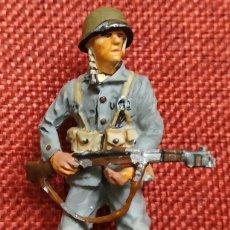 Juguetes Antiguos: CAPITAN MARINES GUADALCANAL USA 1942 - SOLDADOS DEL SIGLO XX - DEL PRADO - ESCALA 1/32. Lote 194217337