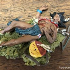 Juguetes Antiguos: FIGURA PLOMO CUSTER'S. BLACK HAWK. DEAD SIOUX LAYING ON THE GROUND. BH-0123. EN CAJA. Lote 195476603