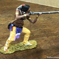 Juguetes Antiguos: FIGURA PLOMO CUSTER'S. BLACK HAWK. CHEYENNE SHOOTING RIFLE. BH-0111. EN CAJA. Lote 195477428