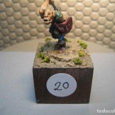 Juguetes Antiguos: SOLDADO DE PLOMO MODELO 20 - TEMA FANTASIA - PINTADO DE CALIDAD- - TAMAÑO PEANA CM. 3X3X2. Lote 206783293