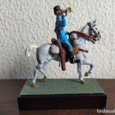 Juguetes Antiguos: TROMPETA CAZADORES DE CABALLERIA 1910 MINIATURAS ALMIRALL PALOU HISTORIA DE LA CABALLERIA ESPAÑOLA. Lote 210411776