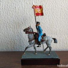 Juguetes Antiguos: ESTANDARTE CAZADORES DE CABALLERIA 1910 MINIATURAS ALMIRALL PALOU HISTORIA DE LA CABALLERIA ESPAÑOLA. Lote 210411883