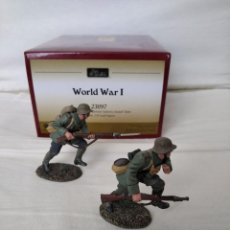 Juguetes Antiguos: 1/32 OR 54MM WILLIAM BRITAIN (BRITAINS) WORLD WAR I 23097 1916-18 GERMAN INFANTRY ASSAULT TEAM. Lote 210933902
