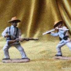 Juguetes Antiguos: DOS SOLDADITO DE PLOMO,MARCA KING&COUNTRY,GUERRA DE CUBA, SOLDADOS CON EL TRAJE DE RAYADILLO.. Lote 213683746