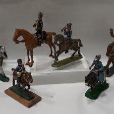 Juguetes Antiguos: LOTE DE 6 SOLDADITOS DE PLOMO A CABALLO Y 2 CABALLOS.. Lote 215612592