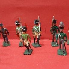 Juguetes Antiguos: LOTE DE 16 SOLDADITOS DE PLOMO EN MINIATURA.. Lote 216003481