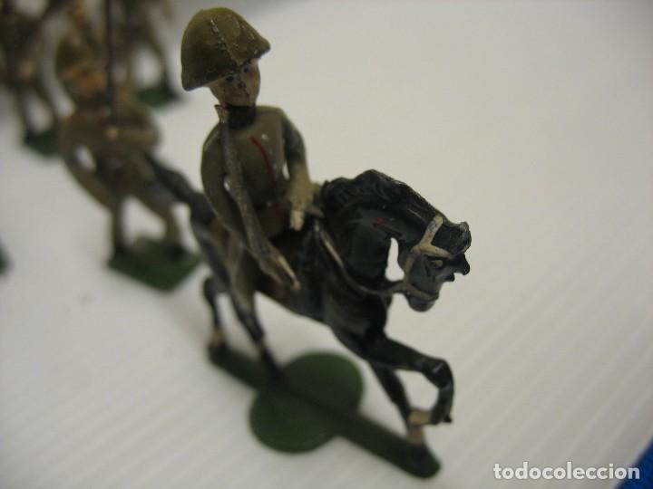 Juguetes Antiguos: ocho figuras de soldados daneses - Foto 4 - 218435821