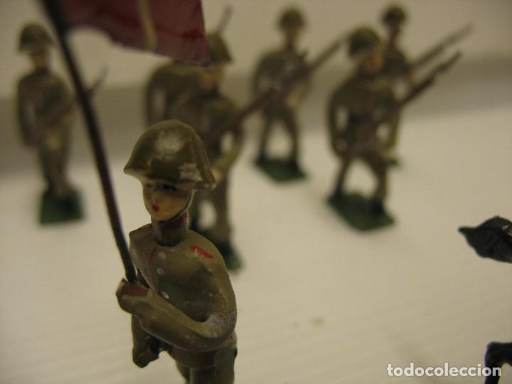Juguetes Antiguos: ocho figuras de soldados daneses - Foto 6 - 218435821