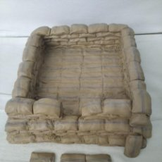 Juguetes Antiguos: 54MM BRITAINS 20073 ZULU WAR RORKE´S DRIFT REDOUBT SECTION 1 PIECE (RETIRED). Lote 209817052