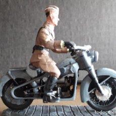 Juguetes Antiguos: SOLDADO MOTO CONDOR LEGION BMW R35. Lote 221573143