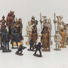 Juguetes Antiguos: 27 SOLDADITOS Y FIGURAS DE PLOMA Y METAL. QUIJOTE, SANCHO PANZA, ASIÁTICOS, EDAD MEDIA.... Lote 222115006