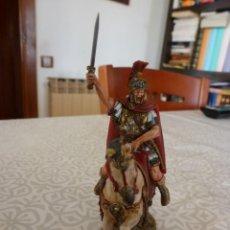 Juguetes Antiguos: CENTURIÓN ROMANO A CABALLO-ESCALA -1/30(60MM)-PINTURA PROFESIONAL -FOTOS. Lote 223776928