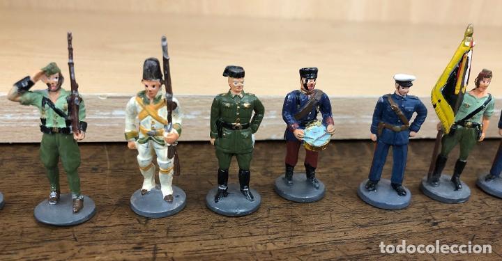 Juguetes Antiguos: LOTE DE 24 SOLDADOS PLOMO ESPAÑOLES Y COLONIAS. ¿JOSE ALMIRALL? - Foto 3 - 235023925