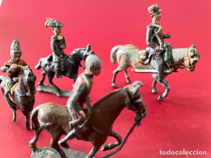 Juguetes Antiguos: LOTE DE 4 SOLDADITOS A CABALLO - DE PLOMO - Foto 3 - 236234330