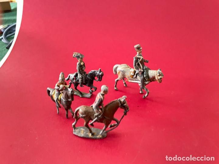 Juguetes Antiguos: LOTE DE 4 SOLDADITOS A CABALLO - DE PLOMO - Foto 5 - 236234330