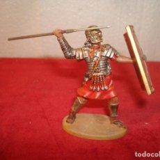 Juguetes Antiguos: SOLDADO ROMANO DE PLOMO 6 CM. Lote 237027580