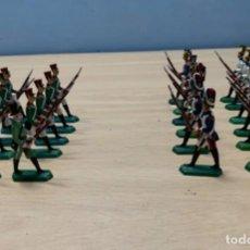 Juguetes Antiguos: LOTE DE 22 SOLDADOS DE PLOMO. BUEN ESTADO. Lote 247390100
