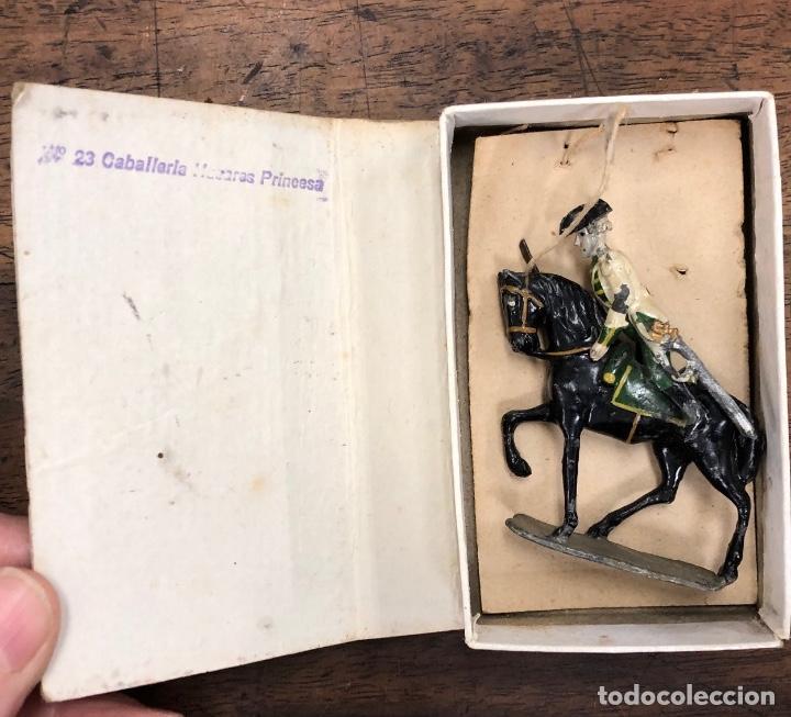 Juguetes Antiguos: HISTORIA MILITAR DE ESPAÑA EN SOLDADOS DE PLOMO. CON MUEBLE. AÑOS 50. 26 MODELOS. MUY RAROS - Foto 2 - 251809260