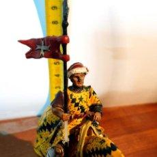 Juguetes Antiguos: SOLDADITO DE PLOMO CON CABALLO. Lote 254635955