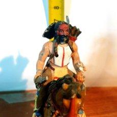 Juguetes Antiguos: SOLDADITO DE PLOMO CON CABALLO. Lote 254636040
