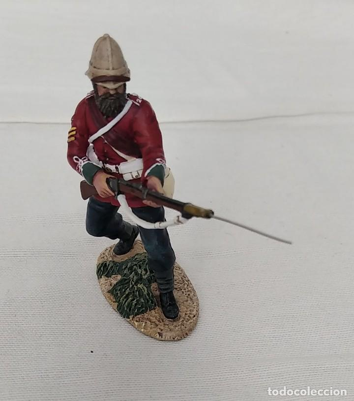 Juguetes Antiguos: BRITAINS ZULU WAR 20174 BRITISH 24th FOOT SGT. BOURNE Nº 2 PARRYING WITH BAYONET - Foto 2 - 255989215