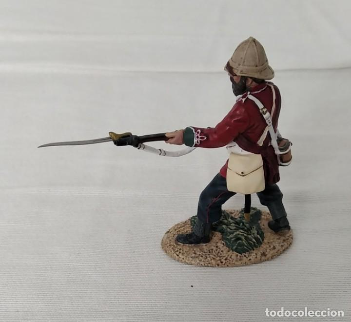 Juguetes Antiguos: BRITAINS ZULU WAR 20174 BRITISH 24th FOOT SGT. BOURNE Nº 2 PARRYING WITH BAYONET - Foto 5 - 255989215
