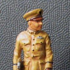Juguetes Antiguos: EEUU - AVIADOR MILITAR. VII CUERPO DEL SERVICIO AEREO 1918 - ESCALA 1:30 PLOMO (3 FOTOS). Lote 257313175