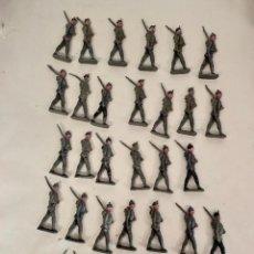 Juguetes Antiguos: LOTE DE 31 SOLDADOS DE PLOMO. DESCONOZCO FABRICANTE.. Lote 258753030