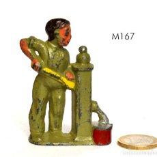 Juguetes Antiguos: FIGURA DE FARM SET, DE LA MARCA MANOIL, NO BRITAINS NI BARCLAY, 1930, Nº M167 DEL CATÁLOGO.. Lote 270377303