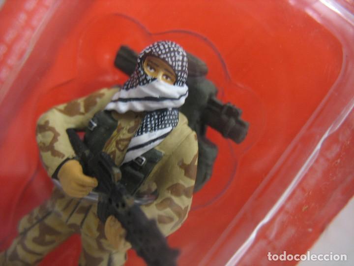 Juguetes Antiguos: soldado del prado de plomo en su blister - Foto 3 - 276747928
