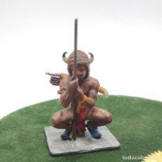 Giochi Antichi: SOLDADO DE PLOMO PINTADO. NATIVOS AMERICANOS. GUERRERO INDIO AGACHADO. AÑOS 70-80.. Lote 287884633