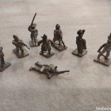 Juguetes Antiguos: LOTE DE 8 SOLDADOS DE PLOMO. DE UNOS 3,2CM. Lote 295438063