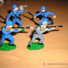 Juguetes Antiguos: CUATRO SOLDADOS FABRICADOS EN INGLATERRA.. Lote 27624679